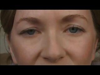 女主人痛哭她的娘娘腔