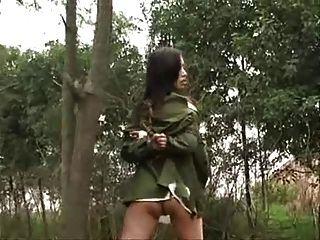 中國軍隊女孩被栓對樹3
