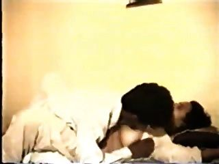 印地安milf和她的性感的丈夫(行動開始在10分鐘)