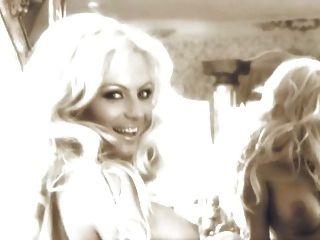 保加利亞流行音樂民歌手kamelia在花花公子