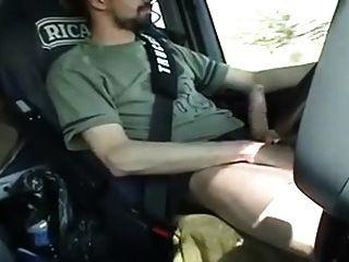 str8法國卡車司機他的公雞開車時