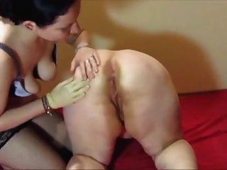 muture lesbains肛門和陰部拳交