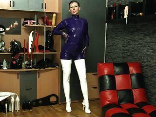 紫色乳膠catsuit