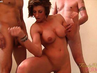 情婦亞馬遜讓她的肌肉他媽的