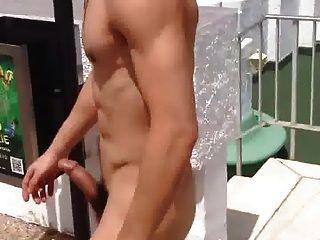 str8傢伙裸體和哈特在酒店池ll