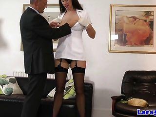 歐元成熟在絲襪挑選花花公子的指頭
