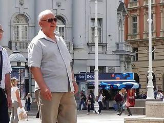 老人在街上18