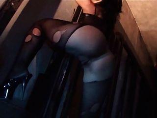 聖所色情音樂錄影帶,哥特恐怖辣妹