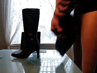 暨在妻子高跟皮靴