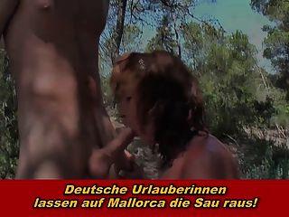 deutsche urlauberinnen lassen auf mallorca die sau raus