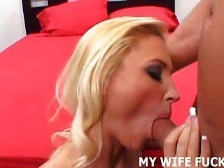 看你的熱的妻子被一個色情明星