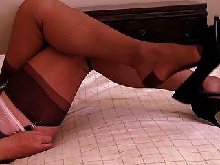 粉紅色純粹內褲,窺視腳趾泵鞋舞