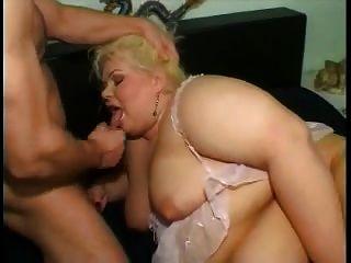 性感的金發碧眼的bbw需要捶