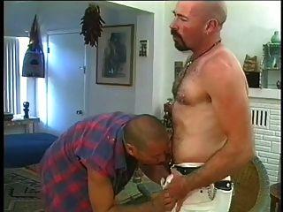 al calvo le gusta que le peten duro el culo