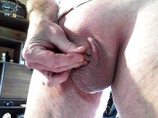 我的小小的鬆弛陰莖增長