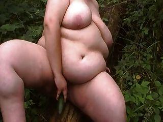 德國bbw使用在森林裡