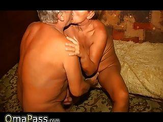 omapass奶奶和爺爺享受性