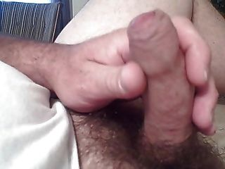 闪亮的阴茎头和包皮