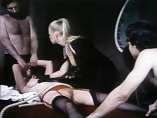 遇险天使(1982)