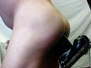 另一个巨人假阳具在我的屁股