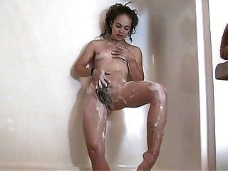 毛茸茸的宝贝与辫子淋浴