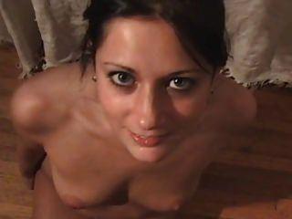 大学夫妇在宿舍床上有很好的性生活