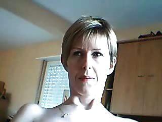 业余女人希望你像她一样看她的脸