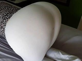 腿部布甲白色紧身裤