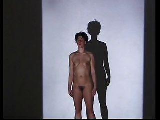 裸体毛茸茸的表演:虹膜selke
