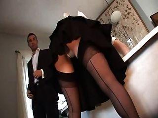 英国的妓女爱丽丝罗得斯在一个ffm三人行动