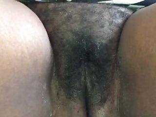 牙买加阿姨显示她的阴部