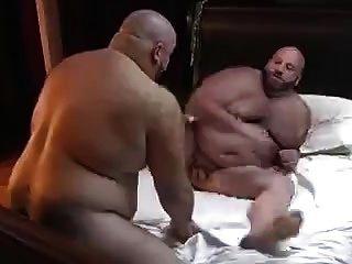 熊肌肉他妈的