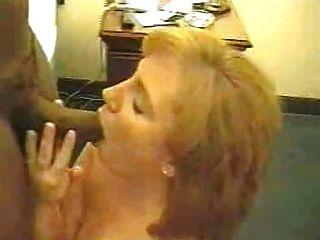 性感的红发妻子喜欢那个大黑公鸡2 frmxd com