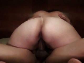 大胖胖的白屁股老婆骑马