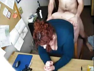 他妈的秘书