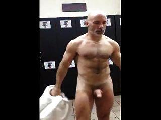 str8爸爸在更衣室