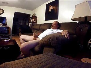 str8爸爸在客厅里拍了色情