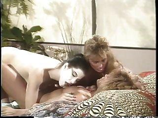erica boyer在床上有两个女朋友的女同性恋三人组