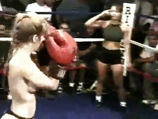 真正裸体拳击