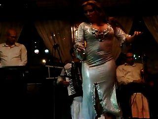 joanna saahirah肚皮舞者大屁股在尼罗河2015年