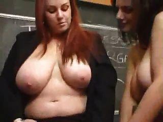 丰满的女同性恋老师他妈的