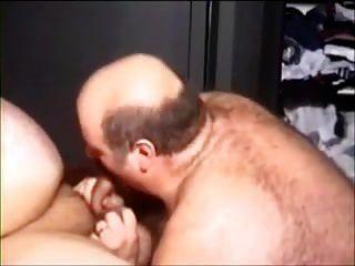 两个性感胖胖的男人去