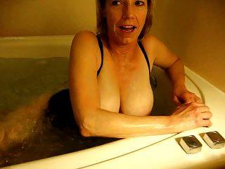 按摩浴缸乐趣第1部分