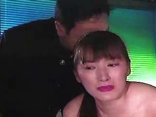 亚洲女孩被绑架并鞭打1 2