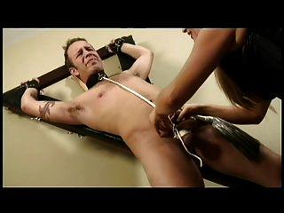 多米尼加共和国惩罚她的奴隶