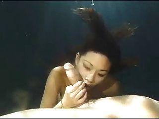 亚洲美容水下口交