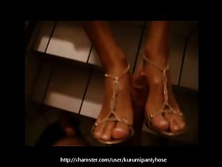 kurumipantyhose公开footjob与我的鞋子上!