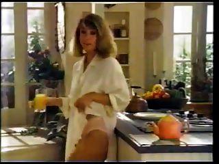 terri garr和她容易的微风内裤。