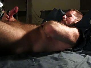 熊打他的公鸡