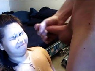 她脸上的大负担